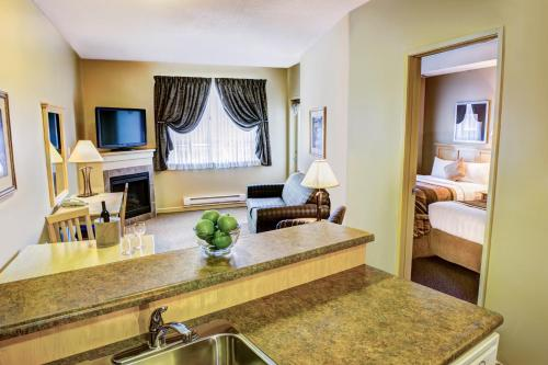 Clearwater Suite Hotel Photo
