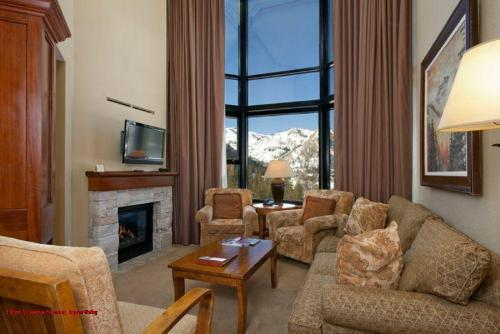 Resort at Squaw Creek Penthouse #810 Photo
