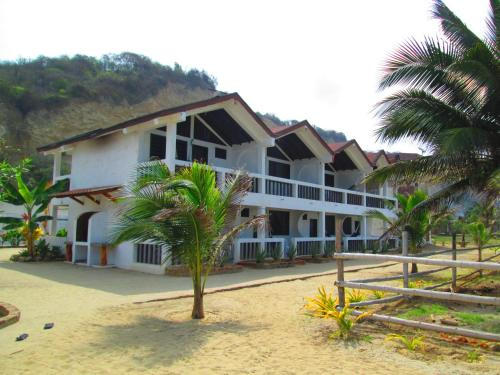 Sundown Beach Hotel Photo