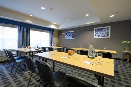 TownePlace Suites by Marriott Baltimore BWI Airport Photo