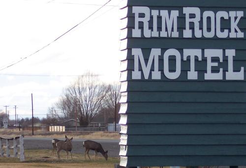 Rim Rock Motel Alturas Photo