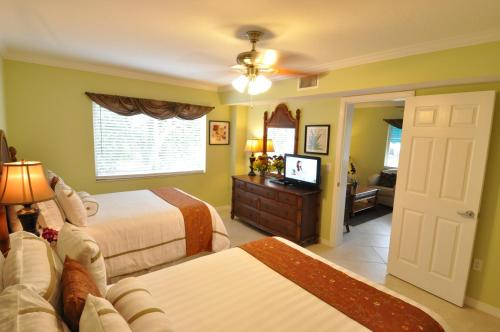 Tropical Beach Resorts - Sarasota Photo