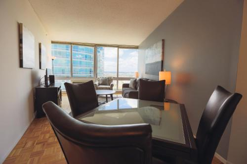 Liberty Towers - A Premier Furnished Apartment Photo