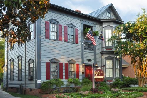 The Aerie Bed and Breakfast, Guest House and Conference Center Photo
