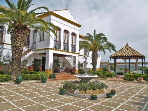 Five-Bedroom Holiday home in GV de Sevilla, Tocina