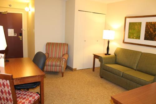 Country Inn & Suites Winnipeg Photo
