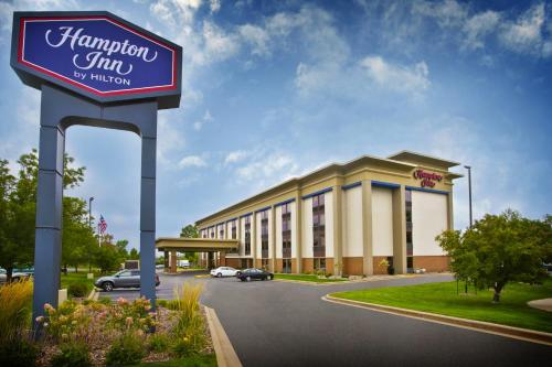 Hampton Inn Appleton-Fox River Mall Area Photo
