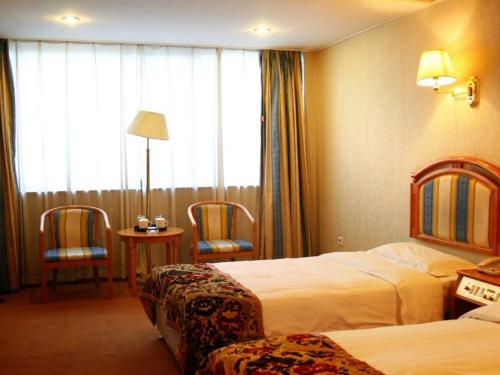 http://www.booking.com/hotel/cn/china-southern-sky-pearl-express.html?aid=1728672