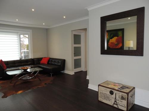 TVHR - Luxury 2 BD Duplex in Toronto Photo