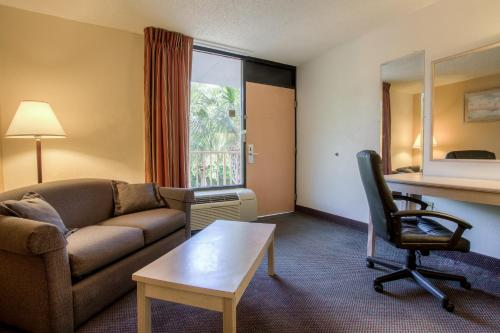 Quality Inn & Suites Saint Augustine Photo