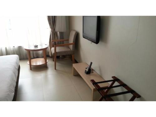 Hotel Vista Rooms at Koregaon Park 2