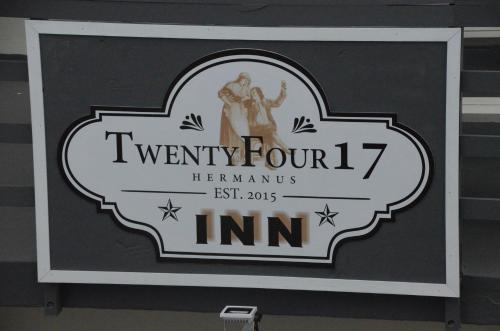 TwentyFour 17 Inn Photo