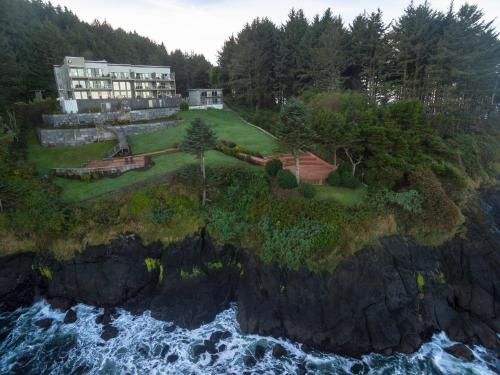 Whale Cove Inn Photo
