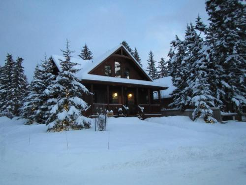 Banff Bear Bed & Breakfast Photo