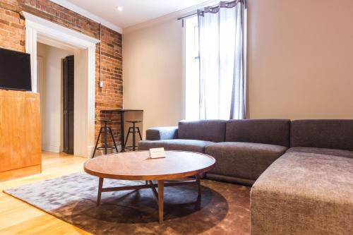 Rue Drolet Apartment Photo
