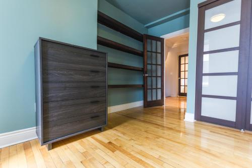 Four-Bedroom on Rue Drolet Photo