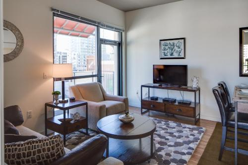 7th Avenue Apartment by Stay Alfred - San Diego, CA 92101