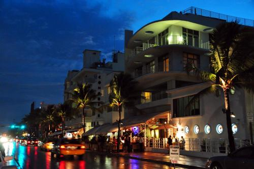 South Beach Vacation By The Sea Photo