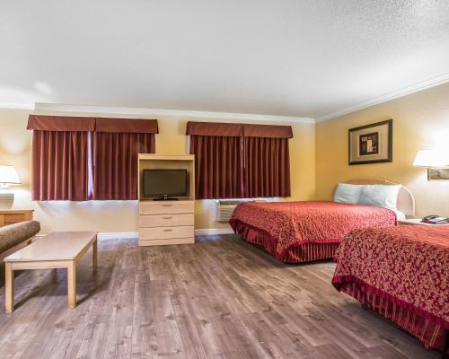 Econo Lodge Fontana Photo
