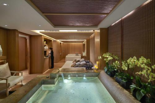 The Landmark Mandarin Oriental Hong Kong photo 25