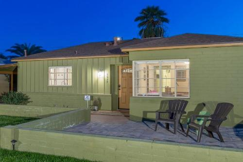 Encanto Bungalow Photo