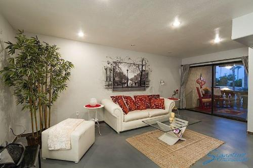 Amour, Apartment at Scottsdale Photo