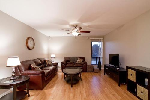 Old Towne Apartment Photo
