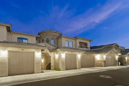 Desert Foothills Townhome Photo