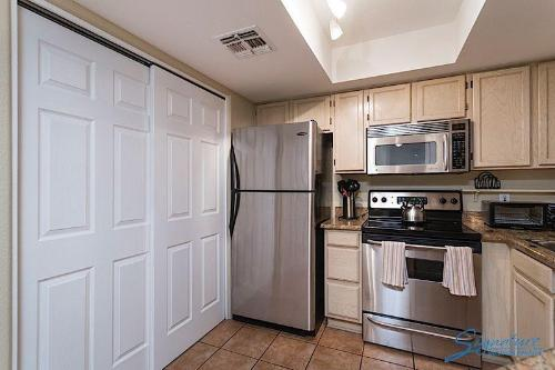 Scottsdale Regency Apartment Photo