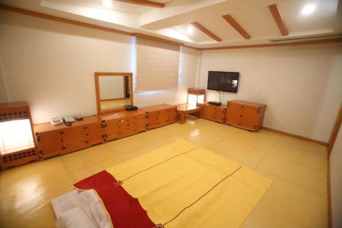 Suncheon Royal Tourist Hotel, Suncheon