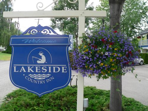 Lakeside Country Inn Photo