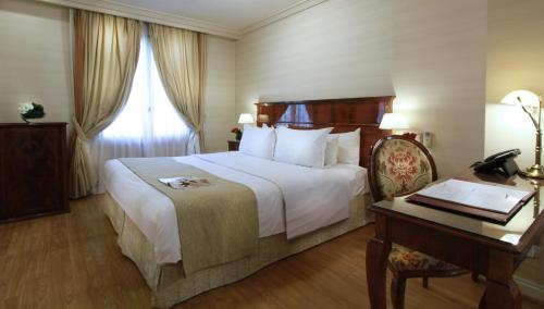 Melia Recoleta Plaza Hotel Photo
