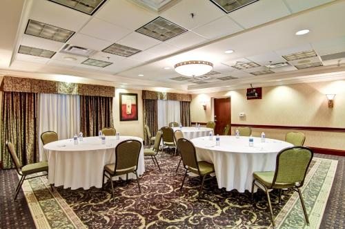 Hampton Inn & Suites Guelph Photo