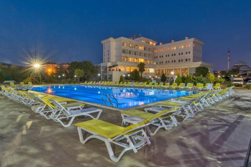 Derince Grand Korfez Sports Village tatil