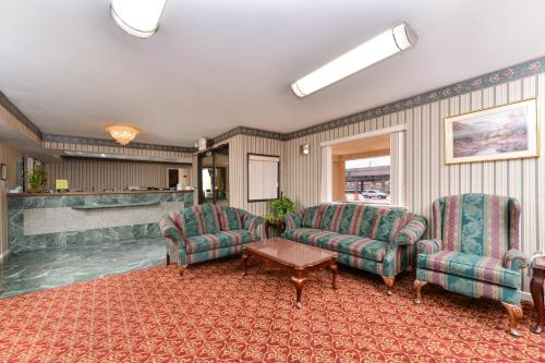 Americas Best Value Inn and Suites Houston/Northwest Brookhollow photo 8