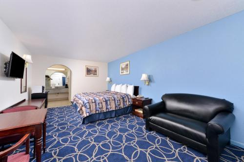 Americas Best Value Inn and Suites Houston/Northwest Brookhollow photo 13