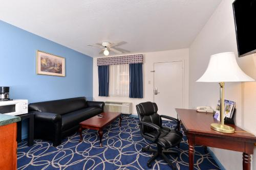 Americas Best Value Inn and Suites Houston/Northwest Brookhollow photo 10