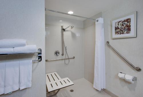Holiday Inn Express & Suites Ottawa East-Orleans Photo