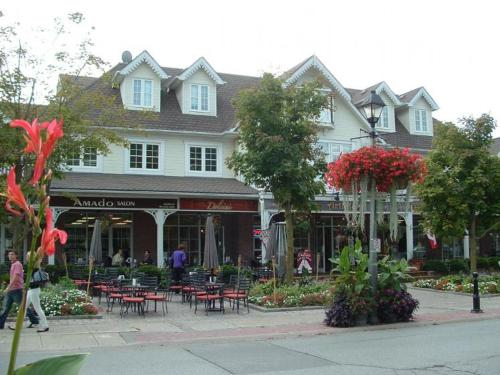 Lux Kleinburg B&B Photo
