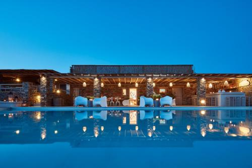 Diles & Rinies in tinos - 0 star hotel