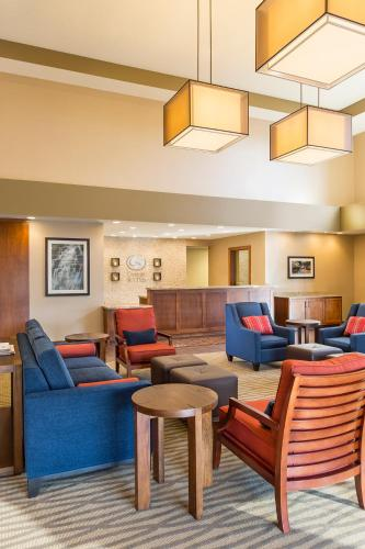 Comfort Suites - Hartville Photo