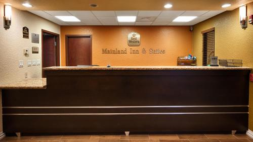 Best Western Mainland Inn & Suites Photo