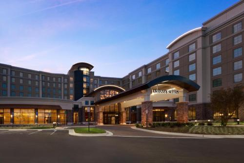 Embassy Suites Springfield Photo