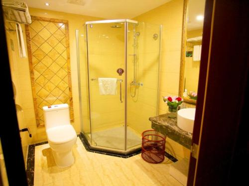Dongxing Donghai Hotel