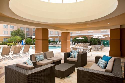 SpringHill Suites by Marriott Orlando Lake Buena Vista in Marriott Village impression