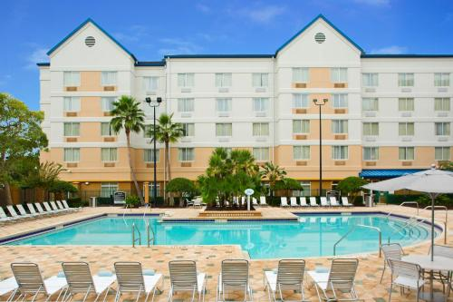 Fairfield Inn & Suites by Marriott Orlando Lake Buena Vista in the Marriott Village photo 28