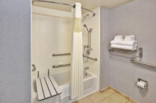 Hampton Inn & Suites - Cape Cod / West Yarmouth Photo