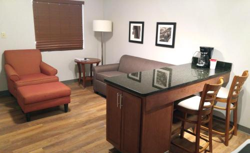 Affordable Suites of America Portage Photo