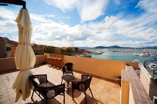 La Terrazza Sul Porto - Sardinia North West Coast Bed and Breakfast