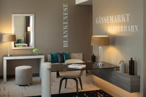 Renaissance Hamburg Hotel, A Marriott Luxury & Lifestyle Hotel photo 20